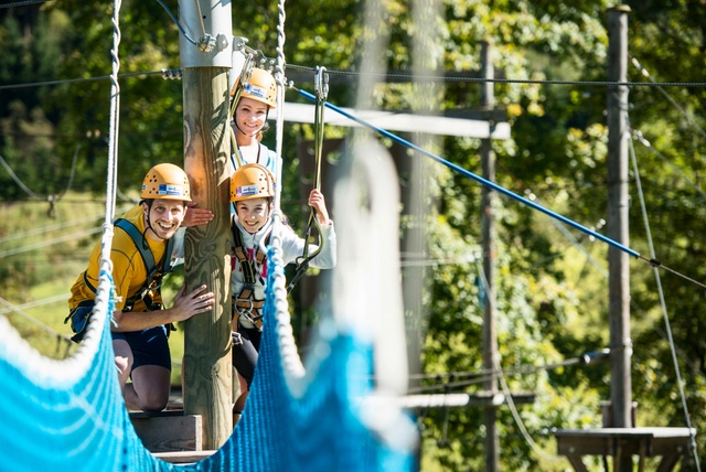 Climb in the mountains or in the high rope garden of Flachau