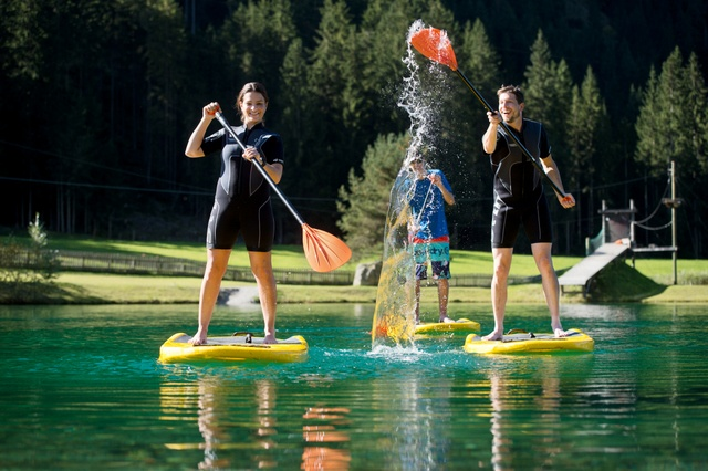 Stand up paddle is one of the latest sporty activities in Flachau